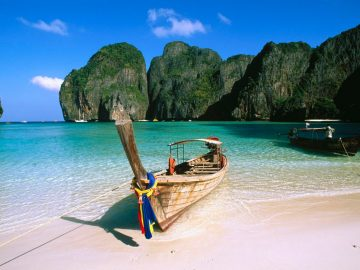 May Bay, Phi Phi Island, Krabi region. Thailand