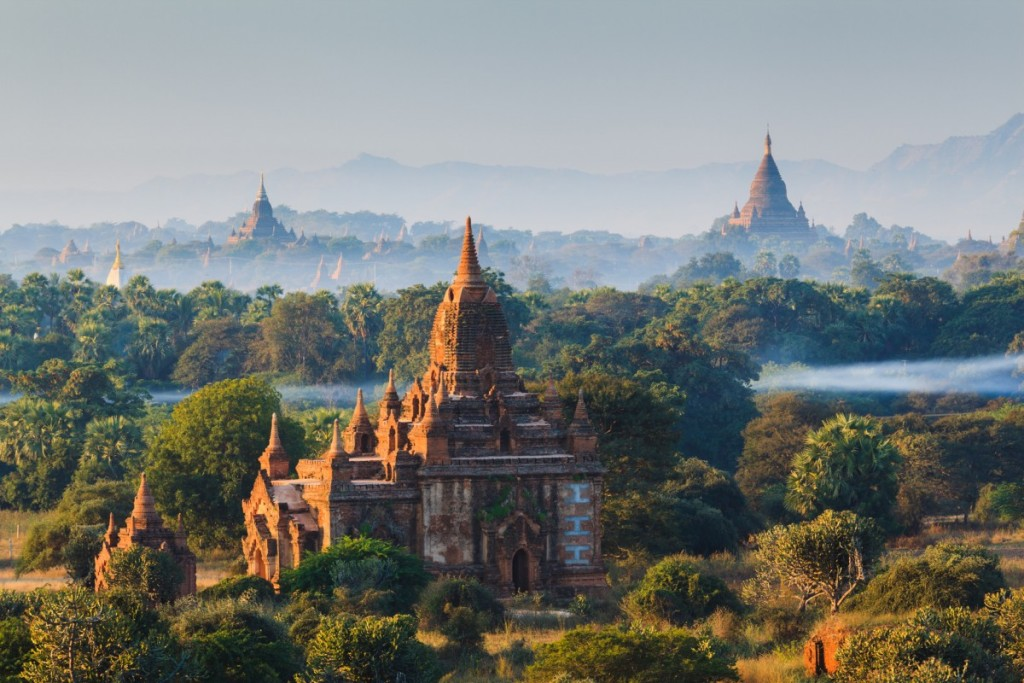 photodune-6858365-the-temples-of-bagan-at-sunrise-bagan-myanmar-m-1200x800-1024x683[1]