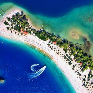 %C3%96l%C3%BCdeniz_on_the_Turquoise_Coast,_Turkey[1]